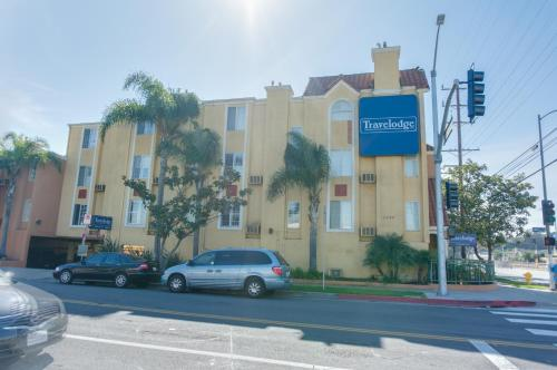 Travelodge Inn And Suites Gardena Photo