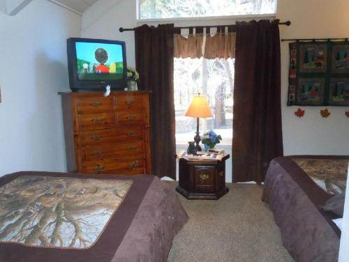 Two-Bedroom Premier Unit #73 by Escape For All Seasons Photo