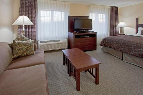 Staybridge Suites Fort Wayne Photo