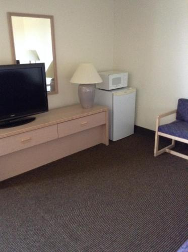 Americas Best Value Inn Stuart Photo