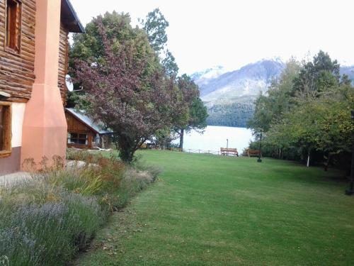 Lago Gutierrez Lodge Photo