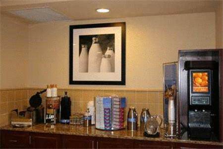 Hampton Inn And Suites Alexandria