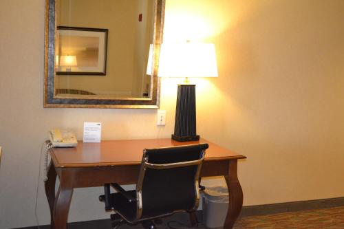 Holiday Inn Express Hotels Biddeford Photo