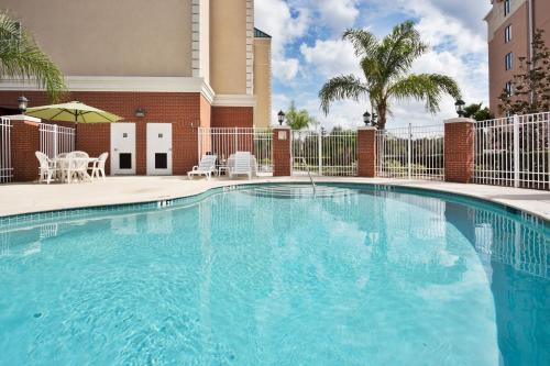 Country Inn & Suites Tampa Photo