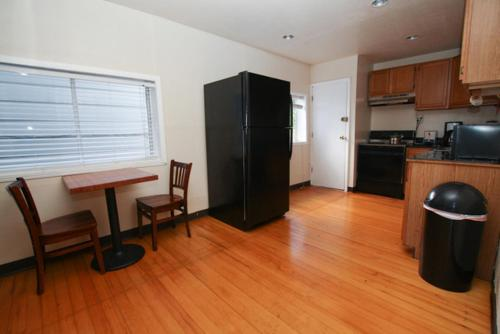 Haight Buena Vista Park Apartment with Balcony - San Francisco, CA 94117