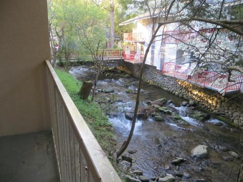 Gatlinburg b b hotel deals from 40 night book now for 37862 vessing terrace
