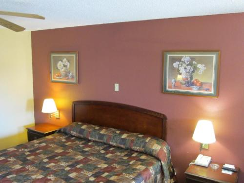 First Western Inn - Fairmont City Photo