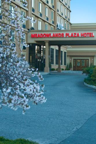 Meadowlands Plaza Hotel Photo
