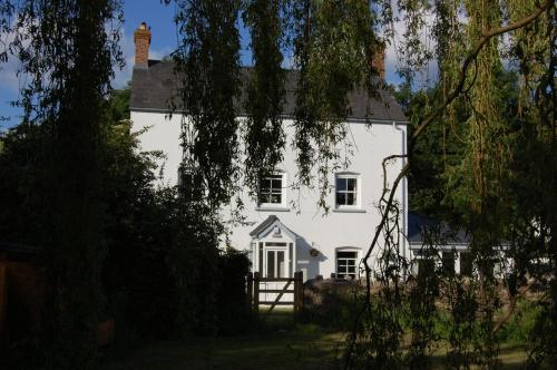 Llansabbath Country House B&B in Llanover from £75