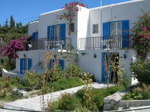 Bizas Rooms - Parikia Greece