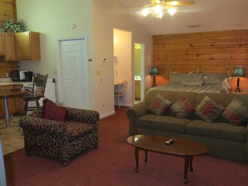 River Place Inn - Pigeon Forge Photo
