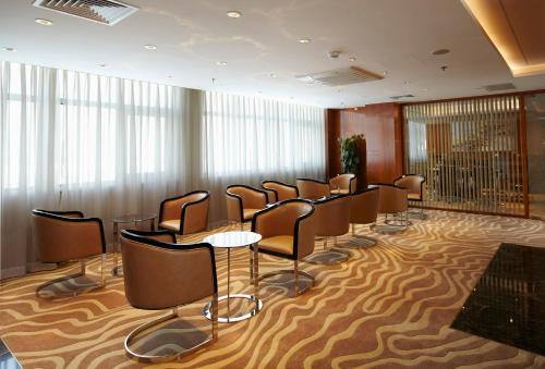 Ramada Plaza Shanghai Pudong Airport photo 5