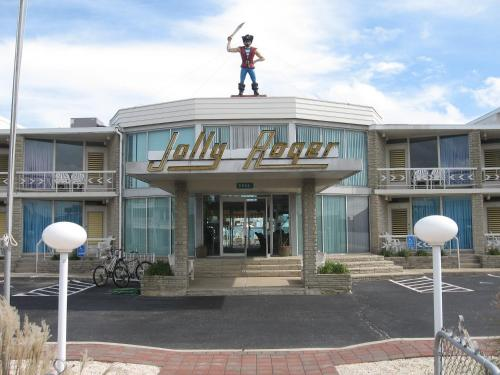 The Jolly Roger Motel Photo