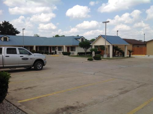 Best Western Regency Inn & Suites Photo