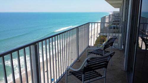 Radisson Suite Hotel Oceanfront Photo