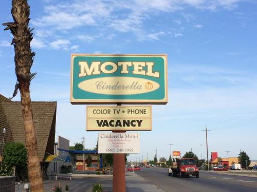 Cinderella Motel Photo