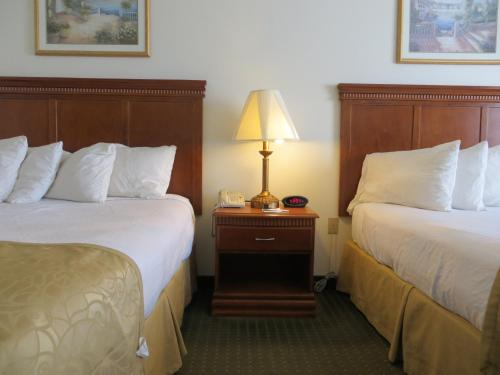 Best Western Plus Lake Elsinore Inn & Suites - Lake Elsinore, CA 92530