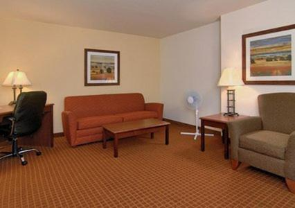 Rodeway Inn & Suites Hoisington Photo