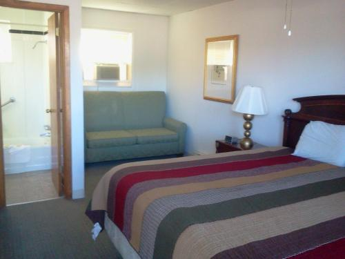 Golden Gate Lodging Photo