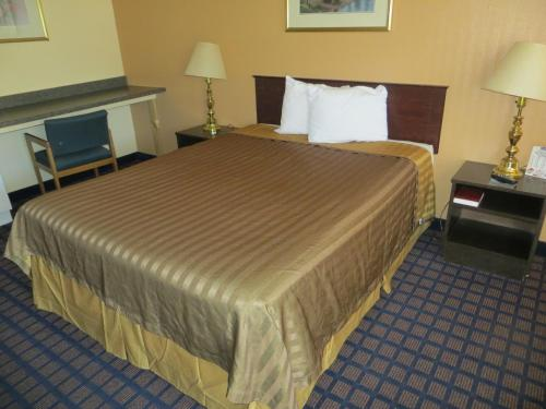 Travelodge Dodge City Photo