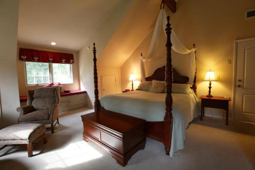 Highland House Bed and Breakfast - Mariposa, CA 95338