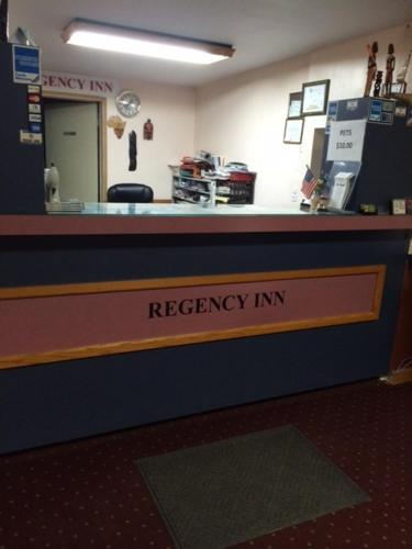 Regency Inn Perry Photo