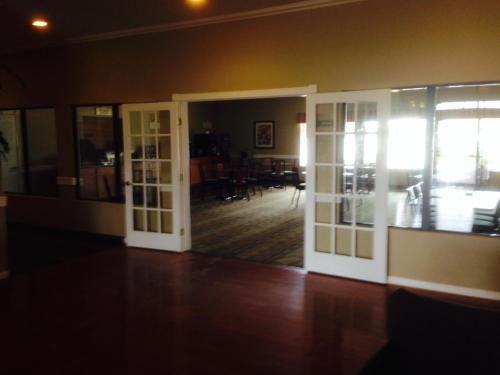 Best Western Hebbronville Inn Photo