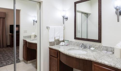 Homewood Suites by Hilton Houston Stafford Sugar Land Photo
