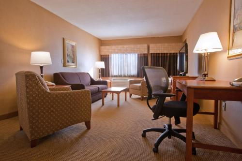 Best Western PLUS North Haven Hotel Photo