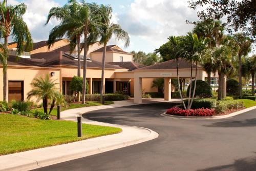 Courtyard Fort Myers Cape Coral Photo
