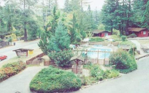 Jayes Timberlane Resort Photo