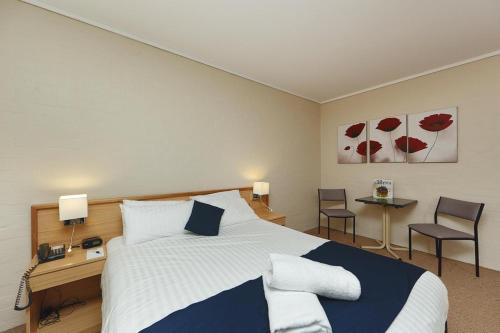 ibis Styles Canberra photo 34