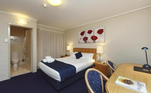 ibis Styles Canberra photo 37