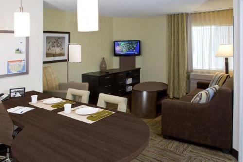 Candlewood Suites Sayre Photo