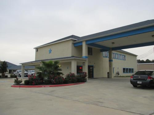 Angleton (TX) United States  city pictures gallery : Scottish Inn & Suites Angleton, Angleton, TX, United States Overview ...