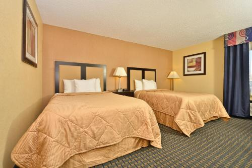 Quality Inn Hoffman Estates – Schaumburg Photo