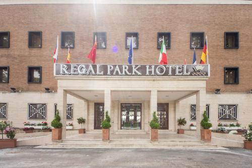 Regal Park Hotel photo 31