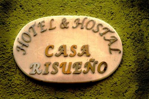Hotel y Hostal Casa Risueño Photo