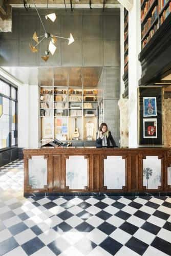Ace Hotel Downtown Los Angeles Photo