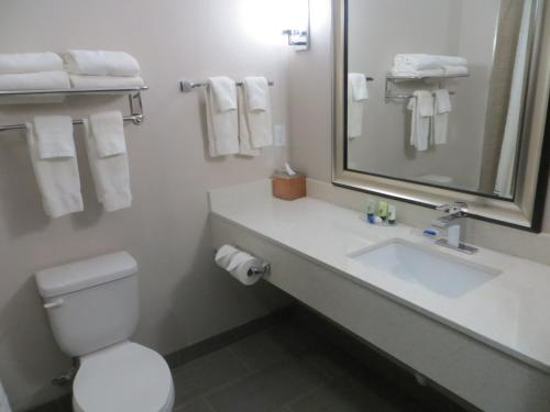 Best Western Plus Pleasanton Hotel Photo