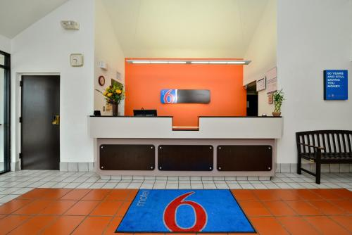 Motel 6 Plano - Preston Point Photo
