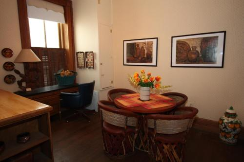 A.L. Patton Barcelona Suite Photo