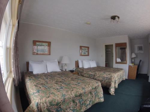 Old Mill Motel Photo