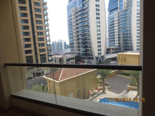 Jumeirah Beach Residence - JBR Apartments, Дубаи