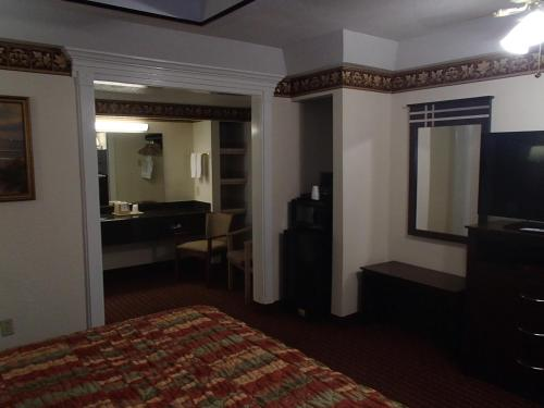 Budget Inn and Suites Corpus Christi - Corpus Christi, TX 78401