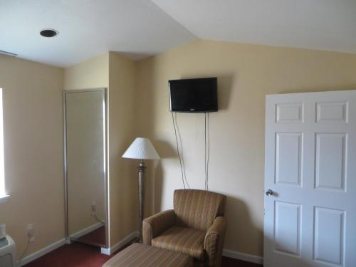 Pleasanton Executive Inn - Pleasanton, TX 78064