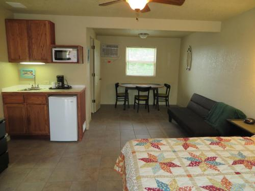 Kay Lynn Resort and Motel Photo