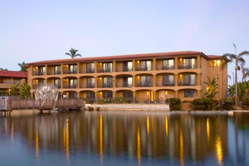 Best Western PLUS Island Palms Hotel & Marina Photo