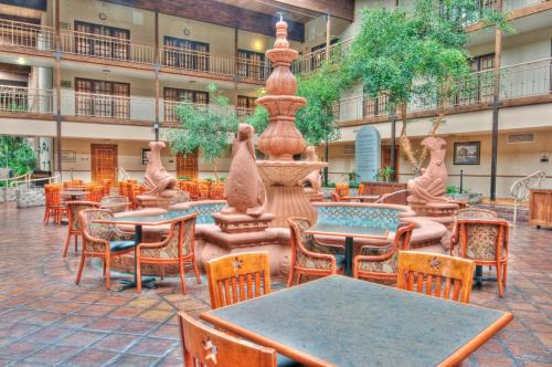 MCM Elegante Suites Abilene Photo