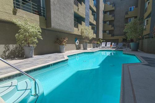 Hollywood Frenchi Suite - Los Angeles, CA 90046